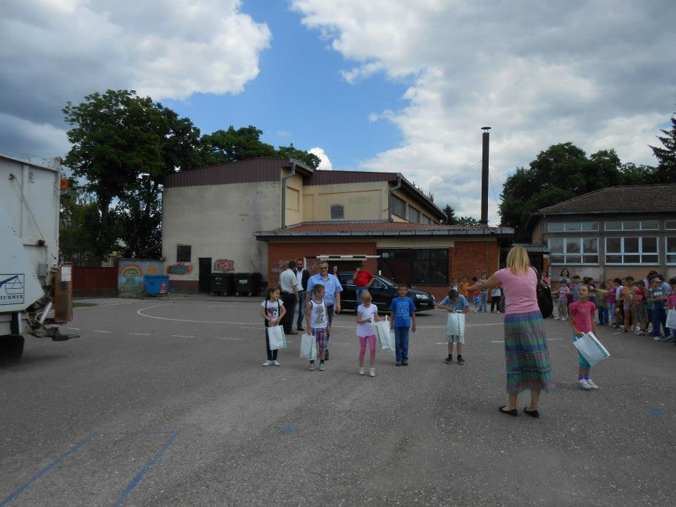 Брантнер - презентација рада возила у школском дворишту, организовање такмичења