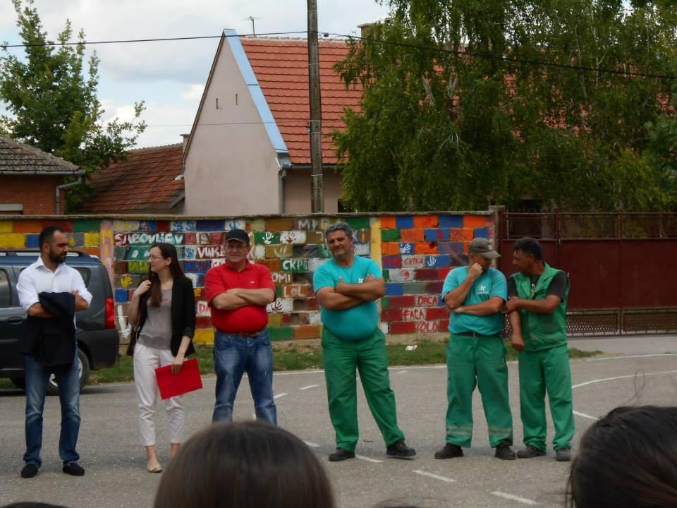 Брантнер - презентација рада возила у школском дворишту, представници фирме у нашој школи