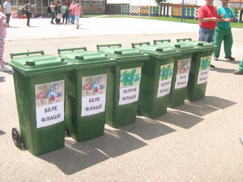 Брантнер - презентација рада возила у школском дворишту, игра одлагања отпада