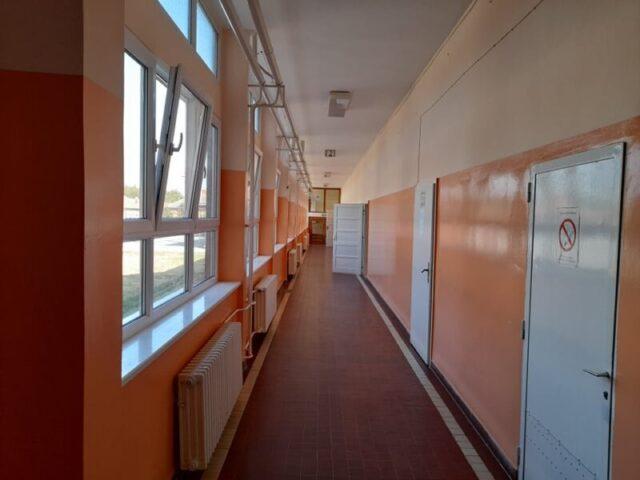 Окречени ходници школе