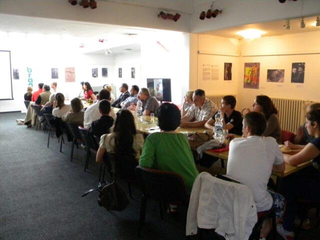 Завршен пројекат - изложба и дебата, излагање ученика средње школе
