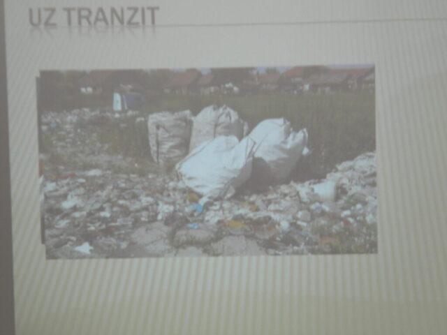 Завршен пројекат - изложба и дебата, одлагање отпада - презентација