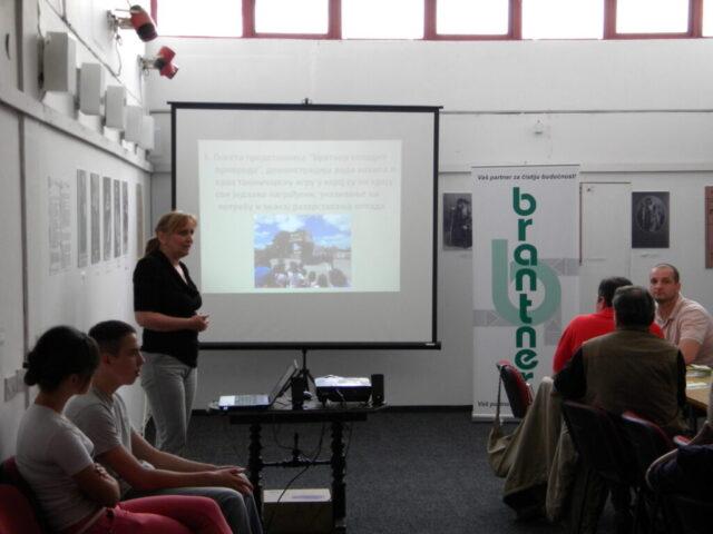 Завршен пројекат - изложба и дебата, дискусија о критичним тачакма